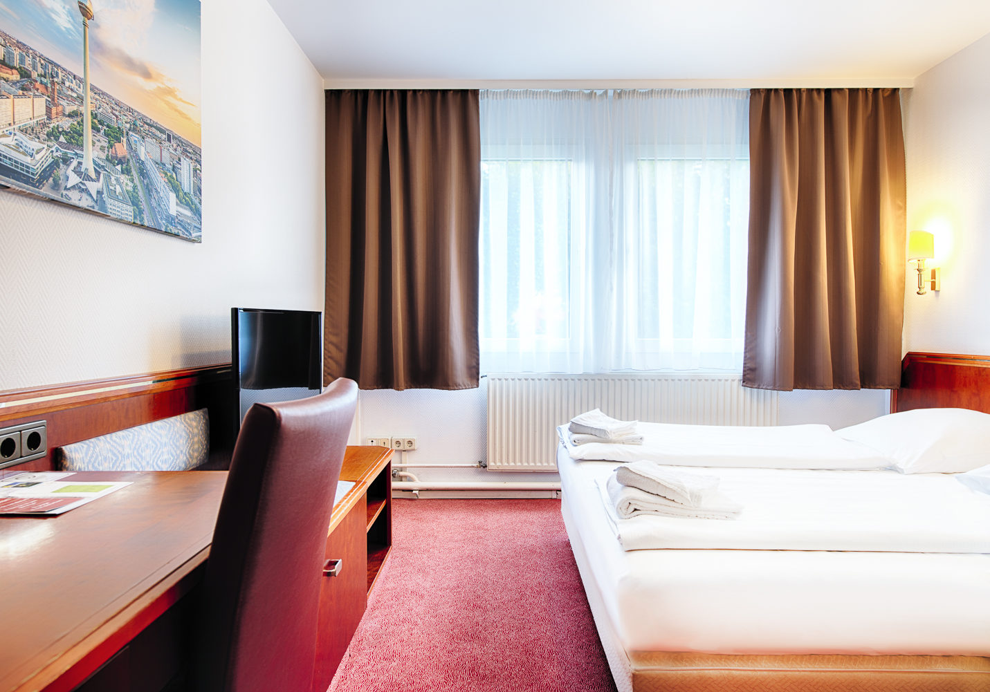 HOTEL_B1_116_2BETT_1_klein