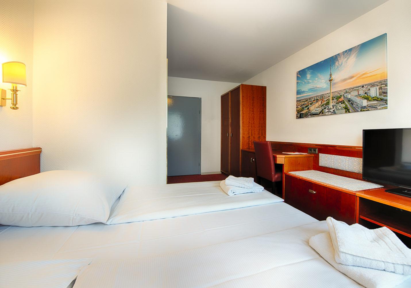 HOTEL_B1_116_2BETT_2_klein