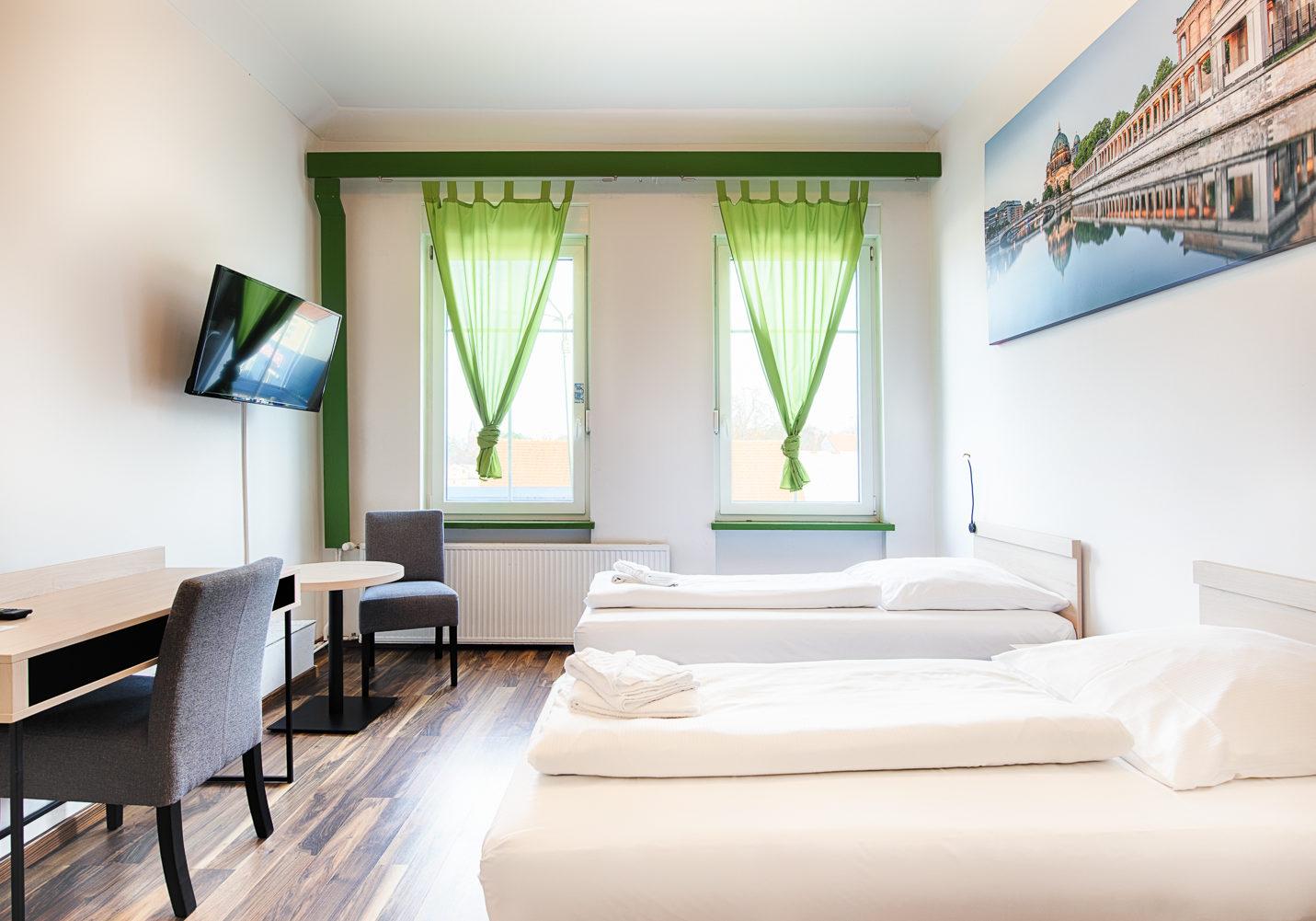 HOTEL_B1_A26_2BETT_1_klein